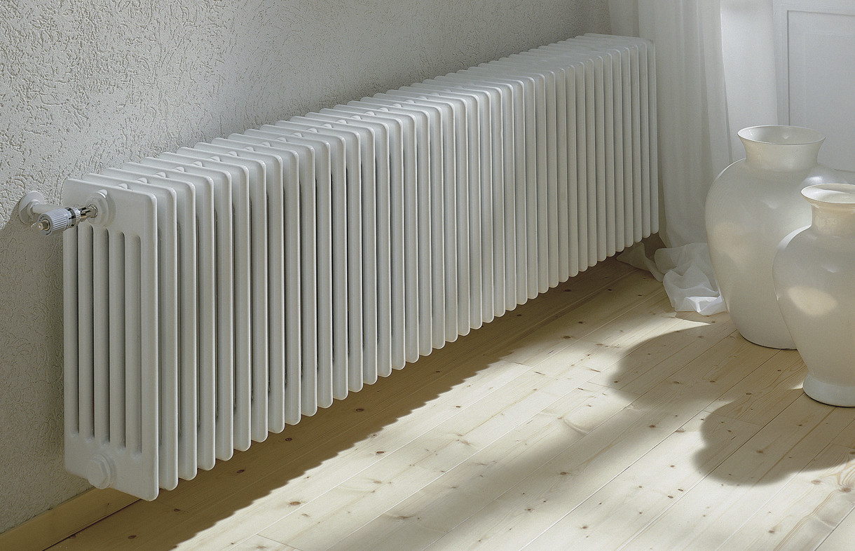 Zehnder Charleston black radiator