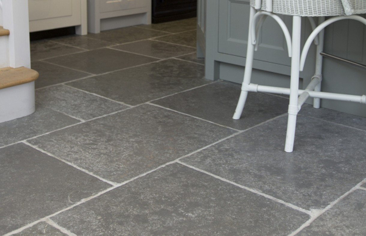 Ca Pietra Denham seasoned natural stone tiles