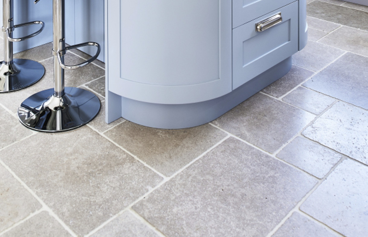 Ca Pietra Hamlet tumbled natural stone tiles
