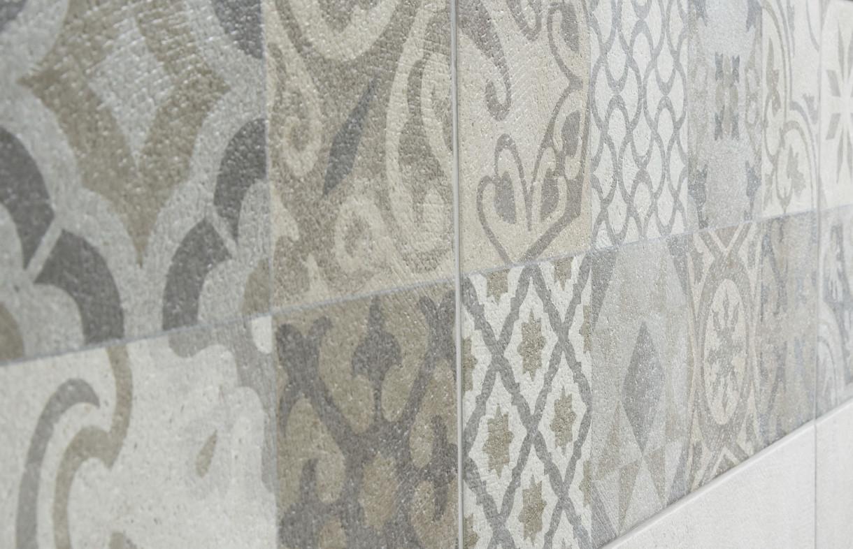 Porcelanosa antique decor wall tile